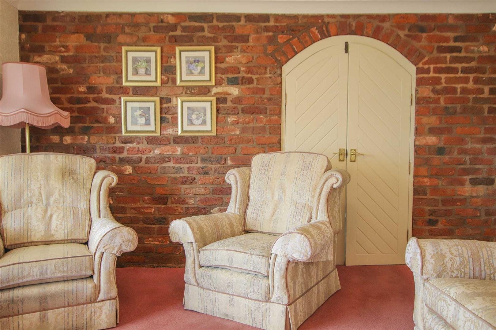 4 Bedroom Barn Conversion For Sale - p033135_16.jpg